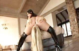 Dominante Blondine MILF leitet zwei reife frauen sex gratis eine Orgie