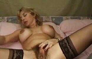 Blonde cutie deepthroats großen Schwanz reife frauen sex kostenlos